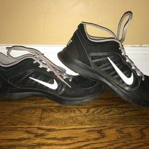 💕NIKE black sneakers
